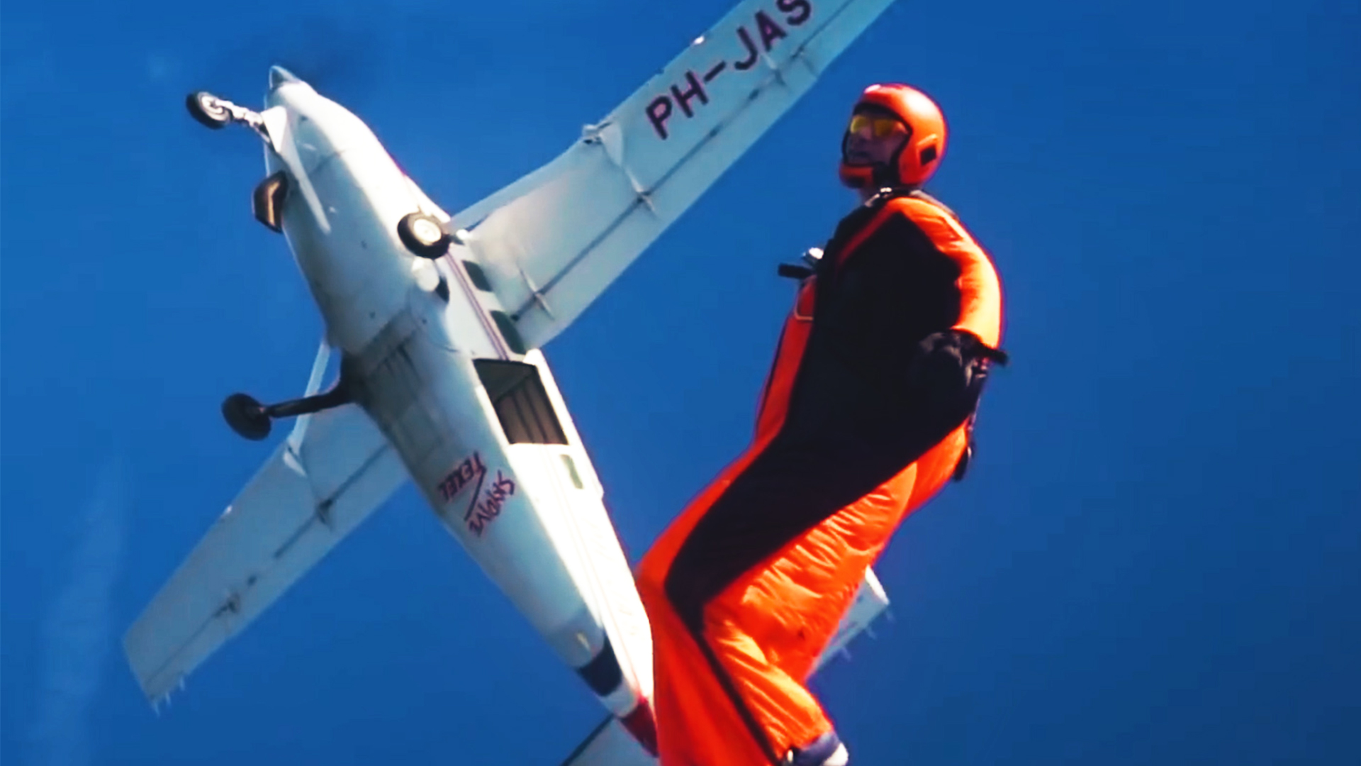 wingsuit act
