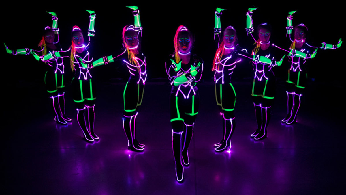 LED-dance-girls
